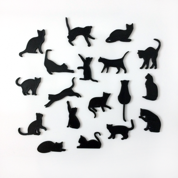 Magnetky mačičiek v 18-tich rôznych polohách vyrobené techológiou 3D tlače
